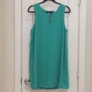 Everly Keyhole Sleeveless Green Shift Dress L